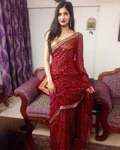 Dress Indian Style, Indian Dresses, Indian Outfits, Bandhani Dress, Sari Dress, Saree Blouse Patterns, Saree Blouse Designs, Indian Beauty Saree, Indian Sarees