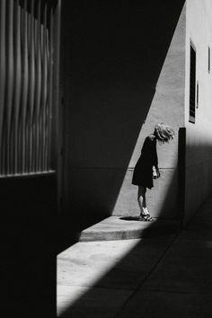 Nirav Patel is a fine art photographer based in San Francisco, CA that specializes in portrait and editorial photography. Urban Photography, Creative Photography, Digital Photography, Portrait Photography, Photography Tattoos, Photography Ideas, Street Photography People, Hiking Photography, Shadow Photography