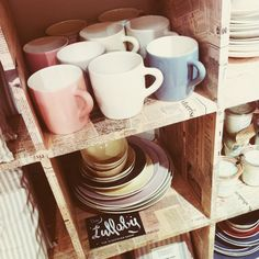 @Laura Jayson McCollum we will need a book case for books and one for coffee mugs. #apartmentliving #livingsingle