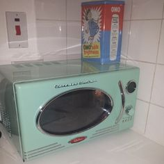 Retro Microwave Mint Green