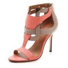 #Emme❤it #Blogger #Melrose #Lovefirstsight #Shoes #ShoesLovers #Heels #Shine #Stilettos #Platforms #Pumps #Fashion #Fashionista #ShoeBlog  #Style #Glam #Femme #Beautiful #Unique #Pink #Nude