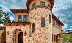 Mediterranean Home Hacienda Design, Bilder, Umgestaltung, Dekor und Ideen Tuscan Style Homes, Mediterranean Style Homes, Spanish Style Homes, Tuscan House, Spanish House, Tuscan Design, Tuscan Decorating, Exterior Design, Exterior Homes