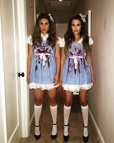 Halloween Costume Ideas That Are Guaranteed To Impress Matching Halloween Costumes, Best Friend Halloween Costumes, Twin Halloween, Creepy Halloween Costumes, Halloween Costumes For Teens, Costumes For Women, Halloween Cosplay, Scary Doll Costume, Broken Doll Costume