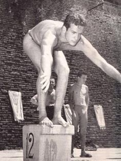 Carlo Pedersoli (later Bud Spencer) as a swimming champion in 1949 Chuck Norris, I Movie, Movie Stars, Bud Spencer Terence Hill, Buddy Go, Professional Swimmers, Studio Pilates, Viejo Hollywood, London Olympic Games