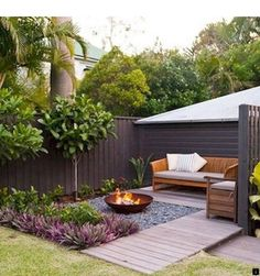 Chic Small Courtyard Garden Design Ideas For You. You can make your home much more unique with backyard patio designs. You are able to turn your backyard into a state like your dreams. You won't have any difficulty now with backyard patio ideas. Small Garden Landscape Design, Small Backyard Design, Backyard Patio Designs, Small Backyard Landscaping, Backyard Pools, Landscape Designs, Landscaping Design, Desert Backyard, House Garden Design