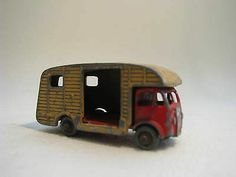 MATCHBOX LESNEY #35 MARSHALL HORSE BOX MK 7 - http://www.matchbox-lesney.com/45628