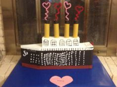 Valentine's Day Box in the Shape of Titanic