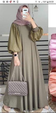 Modest Fashion Hijab, Street Hijab Fashion, Modesty Fashion, Abaya Fashion, Fashion Outfits, Dress Muslim Modern, Moslem Fashion, Mode Abaya, Batik Fashion
