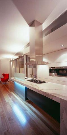 Excellent symmetric home in Melbourne, Australia-- Bojan Simic Architecture