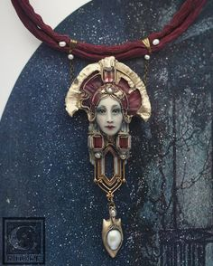 Jewelry is a hot commodity among many shoppers today. Jewelry is fashionable and works as an accessory for many outfits Jewelry Crafts, Jewelry Art, Beaded Jewelry, Handmade Jewelry, Jewelry Design, Jewellery, Polymer Clay Miniatures, Polymer Clay Art, Polymer Clay Jewelry