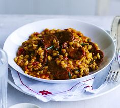 Chorizo & Rosemary Pearl Barley Risotto - Replace the usual rice with filling, storecupboard barley. Spicy Spanish sausage provides a rich flavour and vibrant colour Bbc Good Food Recipes, Meat Recipes, Dinner Recipes, Cooking Recipes, Healthy Recipes, Dinner Ideas, Budget Recipes, Savoury Recipes, Cooking Videos