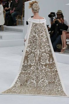 Chanel couture-2014/15 white,gold dress