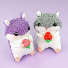 How to make hamster plush toy from socks. In this video tutorials i show how i made this hamster doll using only two socks. This DIY tutorial is perfect for socks lost in washer or dryer :)