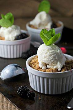 apple blackberry crisp, healthy and delicious!!!