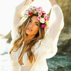 Flower crowns are the bomb diggity. Makes you feel like a Polynesian Princess for a moment in time. Haha