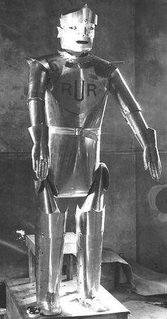 magictransistor:  Karel Capek. R.U.R (Rossums Universal Robots). 1921.