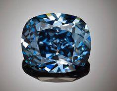 Ce qui donne la valeur à un diamant est sa rareté. Plus vous allez investir dans de grosses pierres de belle qualité, plus elles se valoriseront.  Private-diamond.com vous propose une sélection optimale.