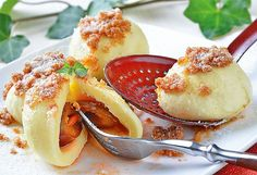 švestkové knedlíky Grapefruit, Camembert Cheese, Dairy, Food, Essen, Meals, Yemek, Eten