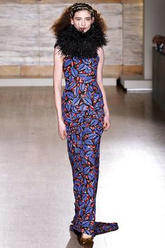 American fashion designer L'Wren Scott presented her fall/winter 2013 collection during London fashion week. She found inspiration for this collection in the Only Fashion, Fashion Week, Love Fashion, Fashion Show, Review Fashion, Runway Fashion, High Fashion, L'wren Scott, Podium