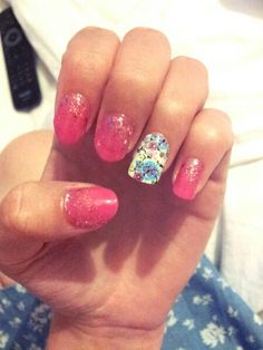 Summer Nails... Pink Glitter Fade Nails with Floral Accent Nail
