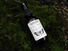 Organic Sage, Mint & Yarrow Facial Toner. Made with a base of organic Witch Hazel extract infused with organic Peppermint, organic Yarrow leaf & flower, organic Sage leaf, organic Rosemary, organic Lemongrass, and organic Burdock root, organic Rosemary Flower Water, Aloe Vera Gel, plant extracts, and essential oils.