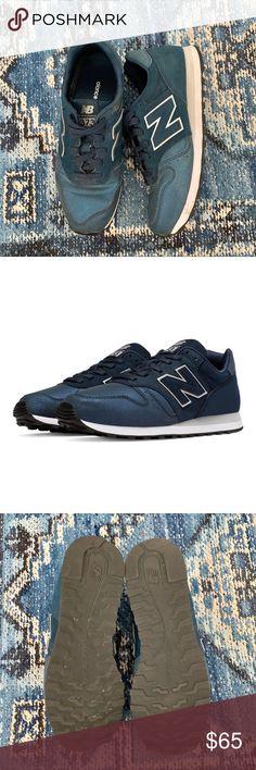 3e4dd97cde7e5 New Balance 373 Women's - New Balance 373 - Navy and Silver. Size 6.5.