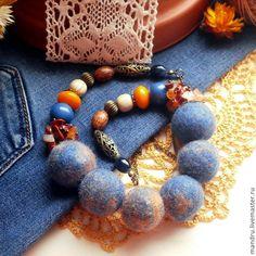 """Купить Бусы войлочные """"Levis"""" - синий, джинсовый стиль, джинс, модный, мода, рыжий"""