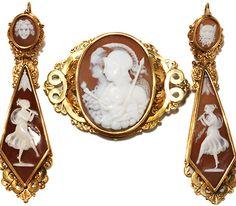 Georgian Cameo Brooch & Earrings in Original Box