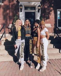 Urban Outfitters Outfit, College Goals, College Game Days, College Girl Pics, College Style, College Life, College Football Games, Football Outfits, Football Tailgate