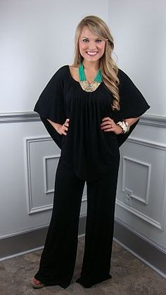 Love this because it can be worn 3 different ways, like the pic or off both shoulders or one shoulder!!!