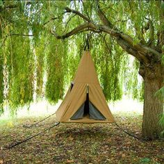 RV And Camping. Great Ideas To Think About Before Your Camping Trip. For many, camping provides a relaxing way to reconnect with the natural world. If camping is something that you want to do, then you need to have some idea Zelt Camping, Camping Glamping, Camping And Hiking, Camping Survival, Backpacking, Survival Stuff, Camping List, Tree Camping, Camping Photo