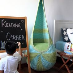 DIY a cocoon hanging seat. Written pattern & instructions, tutorial photos to show the details. Include seat insert pattern.
