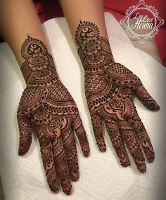 Mid-length intricate bridal henna for Nasma .