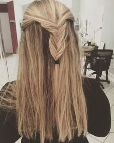 19 Fishtail Hairstyles for that hip look  Hairstyle Monkey Fishtail Hairstyles, Indian Hairstyles, Girl Hairstyles, Barefoot Blonde, Monkey, Long Hair Styles, Beauty, Women, Jumpsuit