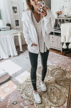 How to Style Faux Leather Leggings 5 diffferent ways // Converse Sneakers, Basic Tee & Collared Sports Jacket Source by outfits with leggings Casual Leggings Outfit, Leather Leggings Outfit, Cute Outfits With Leggings, Cute Comfy Outfits, Cute Winter Outfits, Faux Leather Leggings, Sporty Outfits, Leggings Fashion, Fall Outfits