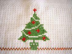 ARTESANATOS TRANSITÓRIA: toalha de mesa com crochê e ponto cruz motivo natalino