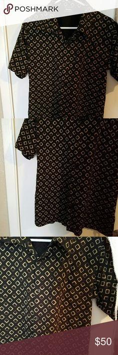 💲NEIMAN MARCUS BUTTON DOWN SHIRT💲 Short sleeve high quality Neiman Marcus Button Down shirt Neiman Marcus Tops Button Down Shirts