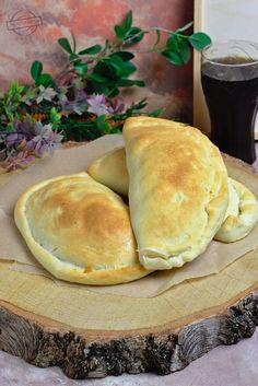 Calzone z szynką i trzema serami Calzone, Quesadilla, Starters, Cheddar, Hamburger, Easy, Pizza, Bread, Food