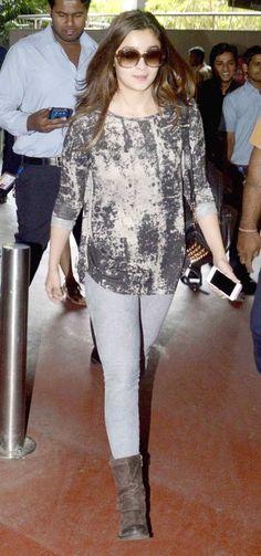 Alia Bhatt at the Mumbai airport. #Bollywood #Fashion #Style #Beauty