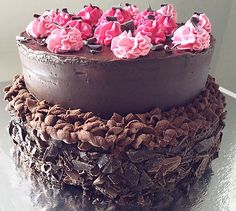 Two-layer chocolate cake💗