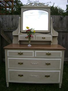 Two-tone Annie Sloan Country Grey and Old White