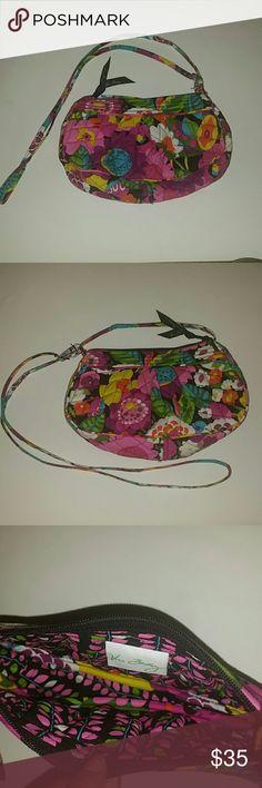 *WEEKEND SALE* *NWOT* Vera Bradley Crossbody Bag *NWOT* Vera Bradley Crossbody Bag Vera Bradley Bags Crossbody Bags