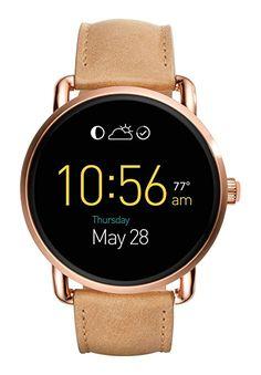 Fossil Q Damen-Smartwatch FTW2102 FOSSIL Q Damen Smartwatch - roségoldenes rundes Edelstahlgehäuse (Durchmesser 45 mm), glänzend und gebürstet - Staub- und Wasserdichtigkeit gem. IP67 Zertifizierung Hellbraunes Lederarmband mit Nähten - Dornschließe Touchscreen Multi LCD Zifferblatt Individuell gestaltbares Zifferblatt - Individuelles Armband - Touchscreen Funktion - Smartphone Benachrichtigungen - Aktivitätstracker - Kabellose Synchronisierung - Mikrofon & Lautsprecher - Wecker