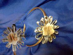Diadema con flor marrón