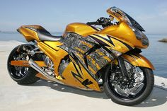 "Custom As they say, ""It looks like it's going 100 mph standing still"".Hmmmm, better make that Custom Street Bikes, Custom Sport Bikes, Moto Ninja, Course Moto, Harley Davidson, Cool Motorcycles, Kawasaki Motorcycles, Sportbikes, Hot Bikes"