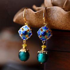 Luxury Retro Dangle Earrings Cloisonne Flower Agate Handmade Gold Earrings for Women Ethnic Jewelry Gold Earrings For Women, Unique Earrings, Vintage Earrings, Women's Earrings, Vintage Jewelry, Fashion Earrings, Fashion Jewelry, Women Jewelry, Champagne Gold Color