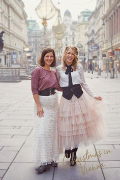 Christmas in Vienna - such a magical time of the year! Let´s capture some memories of you and set up your personal photoshoot in the sparkling city of Vienna! Ursula, Vienna, Portrait Photographers, Lace Skirt, Tulle, Chandelier, Photoshoot, Dance, Christmas