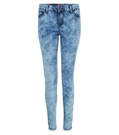 Discover the latest trends with New Look's range of women's, men's and teen fashion. Teen Guy Fashion, Acid Wash Jeans, New Look, Fashion Online, Latest Trends, Skinny Jeans, My Style, Pants, Blue