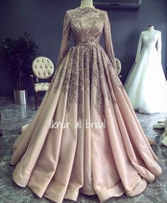 ✔ Dress With Sleeves Formal Simple – Hijab Fashion 2020 Dresses Elegant, Most Beautiful Dresses, Simple Dresses, Dresses With Sleeves, Evening Dresses, Prom Dresses, Formal Dresses, Wedding Dresses, Muslim Prom Dress