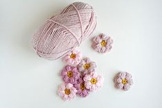 Crochet Mollie Flowers // Caught On A Whim Blog